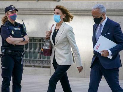 María Dolores de Cospedal, ex secretaria general del PP, este martes a su llegada a la Audiencia Nacional.