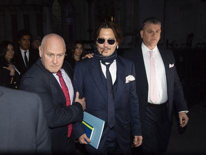 Johnny Depp, asu llegada a la corte de Londres.