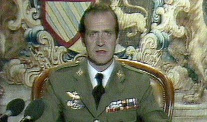 El rey Juan Carlos I en el discurso televisado en la noche del Golpe de Estado, del 23-F.