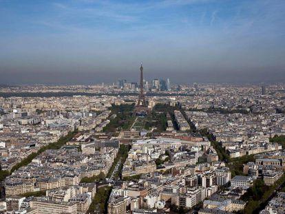 Vista aérea de París, una de las cinco grandes ciudades que quieren prohibir los pesticidas
