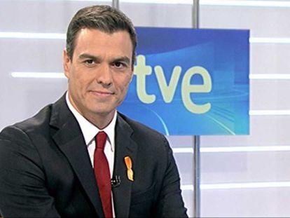 Pedro Sánchez, durante la entrevista, este lunes.