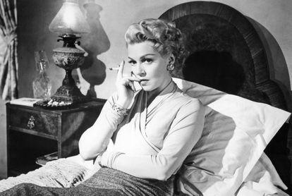 Lana Turner en una escena de la película 'Brumas de inquietud' (1958).