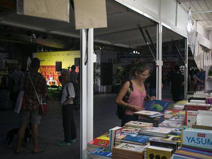 Un stand en la Setmana del Llibre en Català.
