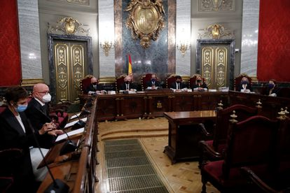 Gonzalo Boye, abogado del presidente de la Generalitat, Quim Torra,  interviene durante la vista que se celebra para revisar la condena.