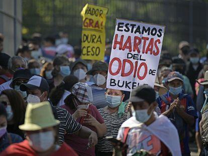 Una manifestación contra el presidente Nayib Bukele este martes en San Salvador.