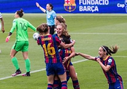 Martens, Graham, Hermoso y Bonmatí, a la derecha, celebran un gol en las semifinales de Champions contra el PSG.