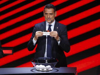 Andrés Palop fue el embajador nominado por la UEFA para el sorteo de la Liga Europa.