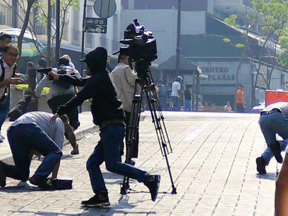 Un sicario abre fuego contra cuatro personas en Cuernavaca (México).