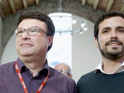 El coordinador general de IU, Alberto Garzón y el coordinador general de EUiA, Joan Josep Nuet