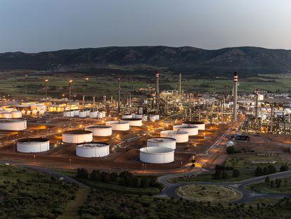 Refinería de petróleo en Puertollano (Ciudad Real).