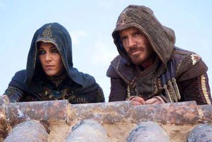 Marion Cotillard y Michael Fassbender, en 'Assassin's creed'.