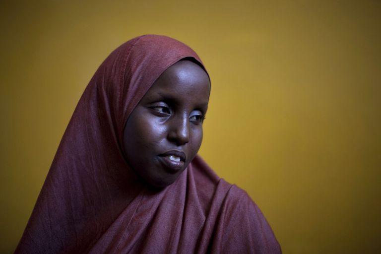 Huba Yousef, de 27 años de edad, sufrió la mutilación genital cuando era niña.