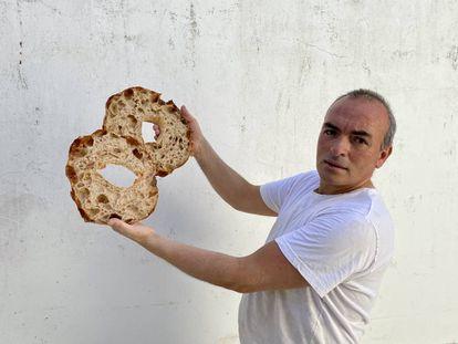 Juan Luis Estévez, panadero. J.C. CAPEL