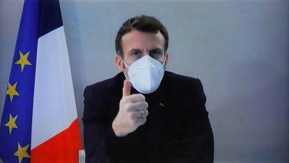 Emmanuel Macron participa en una videoconferencia en París, este jueves.