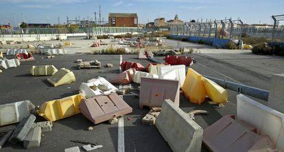 Estado de abandono actual de un tramo junto a las pistas del circuito de Fórmula 1 de Valencia.