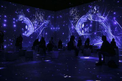 Aspecto de la exposición inmersiva sobre Klimt en el Centro de Artes Digitales Ideal de Barcelona.