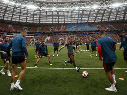 La selección de Hierro, con De Gea y Costa como titulares, pasa revista ante la anfitriona Rusia tras sus muchos titubeos en la fase de grupos