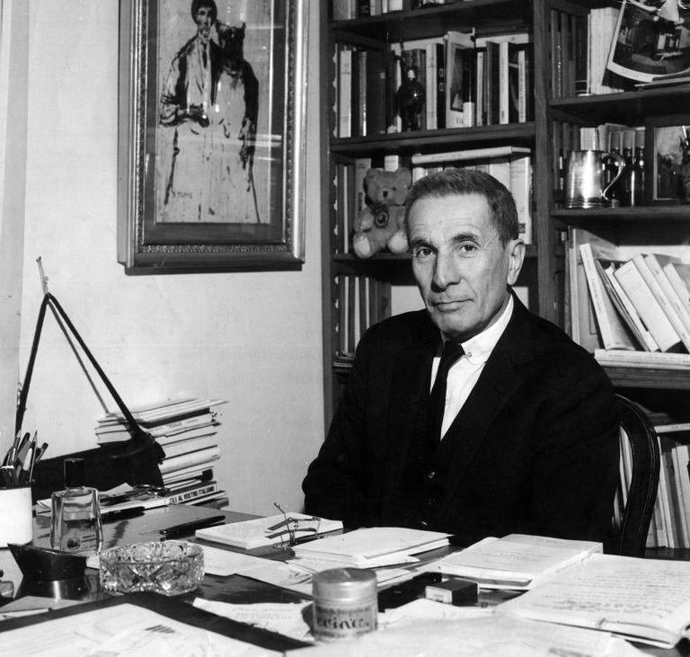 El escritor Dino Buzzati.