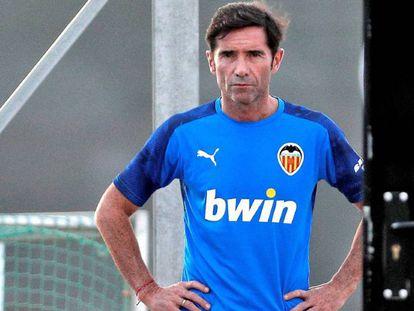 Marcelino, en un entrenamiento del Valencia.