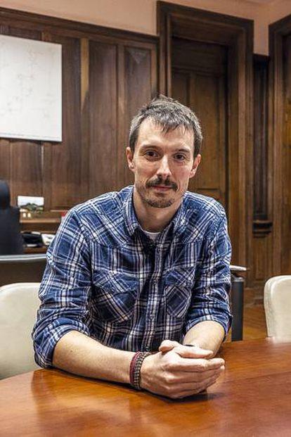 Xabier Lertxundi (Bildu), alcalde de Hernani, en su despacho del ayuntamiento.