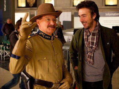 Robin Williams y Shawn Levy, durante el rodaje de 'Noche en el museo 3: el secreto del faraón', en 2014.
