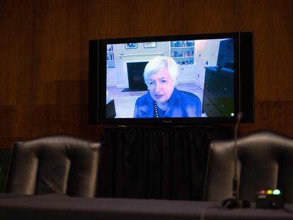 Janet Yellen comparece de forma telemática ante el comité de Finanzas del Senado, este martes en Washington.