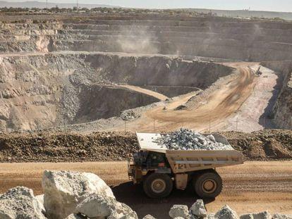 La mina de oro North Mara, al norte de Tanzania. En vídeo, el periodista Jabir Idrissa.