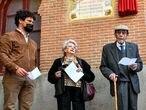César Palacios, a la derecha, acompañado por esposa y Miguel Abellán, director del Centro de Asuntos Taurinos.