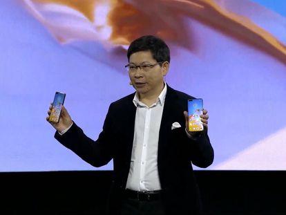 El consejero delegado de Huawei Consumo, Richard Yu, presenta el P40.