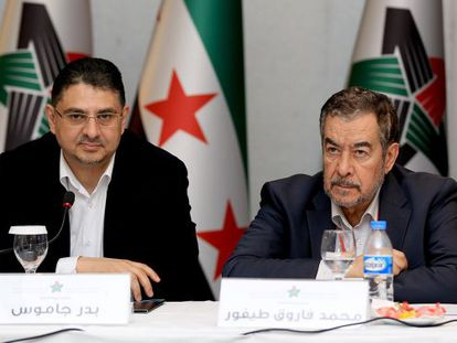 Miembros de la Coalición Nacional Siria reunidos hoy en Estambul.