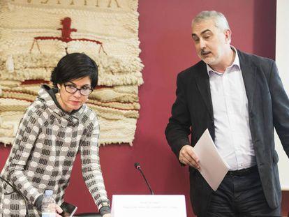 Pilar de Lara, en una reciente conferencia en la Facultad de Derecho de Santiago.