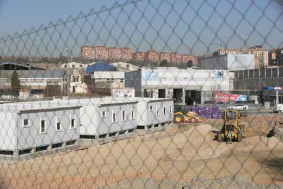 Construcción de viviendas prefabricadas en Vallecas para familias demandantes de asilo.