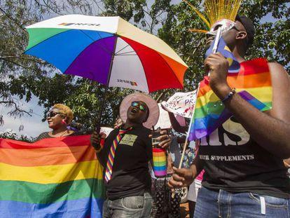 Personas celebrando el día del Orgullo en Uganda.