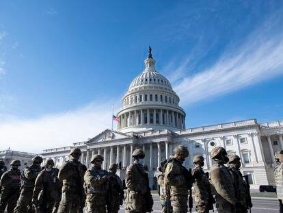 Guardia Nacional a las afueras del Capitolio de Washington.