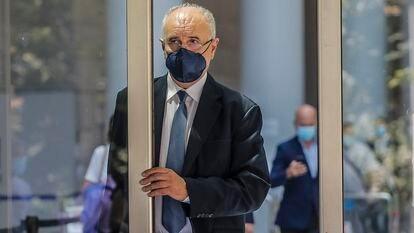 El exconsejero del PP Rafael Blasco sale de la Audiencia Provincial de Valencia el pasado 7 de junio de 2021.