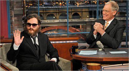 Joaquin Phoenix con David Letterman, en 2008.
