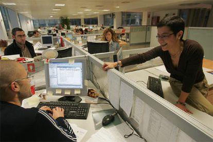 Ana Muñoz, en la Redacción del <i>Diari de Terrassa.</i>