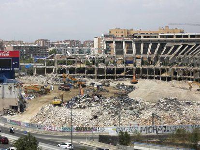 Demolición del estadio Vicente Calderón, en Madrid.