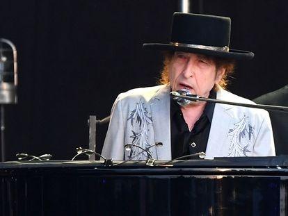 Bob Dylan actuando en Hyde Park, Londres, el 12 de julio de 2019.