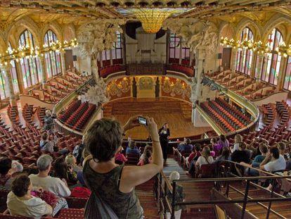 Visitas turísticas en el Palau de la Música que este martes, con motivo del paro, permanecerá cerrado.