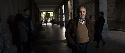 Eusebio Gaviño, ayer, a su llegada a los juzgados.