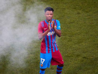 Fati, durante la presentación de los jugadores del Barça en el Gamper.