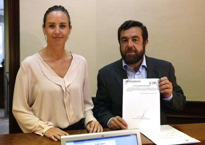Melisa Rodríguez y Miguel Gutiérrez registran la Proposición de Ley Integral de Lucha contra la Corrupción y protección de los Denunciantes.