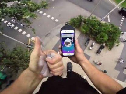 Jason Paul, un especialista en 'parkour', graba su temeridad en un vídeo.