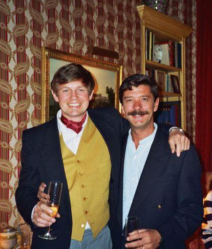 David Morgan y el expiloto argentino Héctor Sánchez, durante un encuentro en 1993.