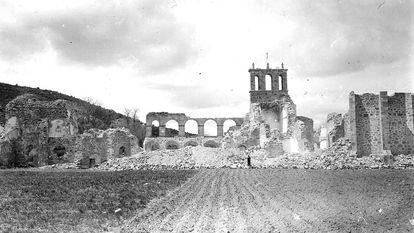 Estado en que quedó el convento de Santa María de Óvila, tras la extracción de sus principales elementos en 1931.