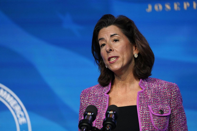 Gina Raimondo gobernadora de Rhode Island, nominada por el presidente electo Joe Biden para secretaria de Comercio.