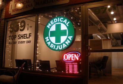 El cultivo de hasta seis plantas de marihuana para uso particular y el consumo son legales en Colorado (EE UU) desde el año pasado.