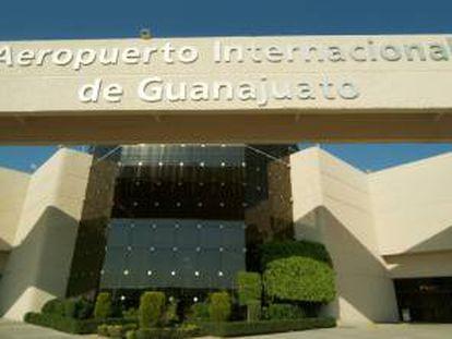 Fachada del aeropuerto en Guanajuato.