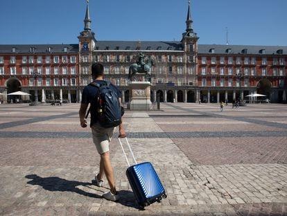 La Plaza Mayor de Madrid vacía.